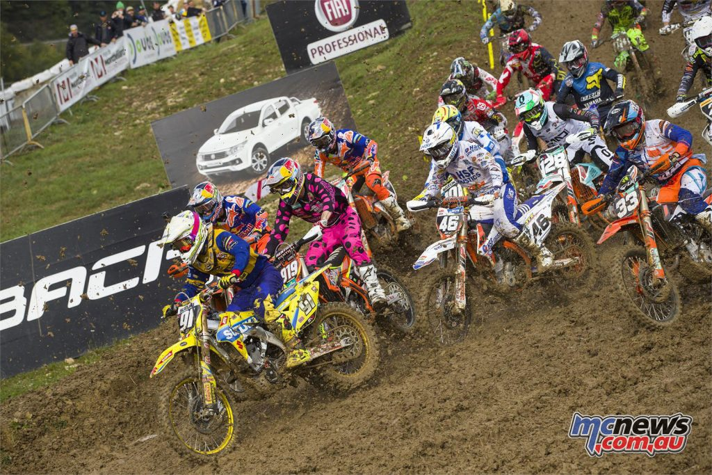 Jeremy Seewer leading the qualifying, is fighting for the MX2 title