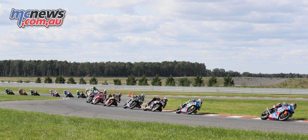 Race 2 Superbikes