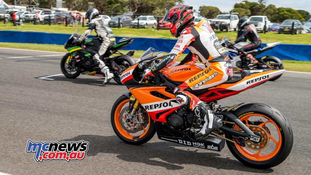 Competitors set for battle in the final instalment of the 2017 ASBK Supersport war - Image by Half Light