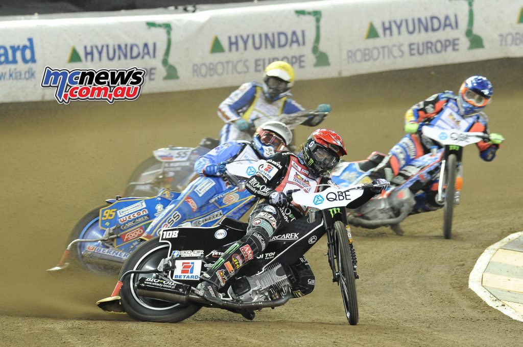 Woffinden in the lead - Image by Colin Rosewarne