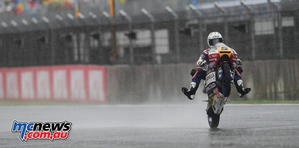 Romano Fenati domintes misty Motegi Moto3