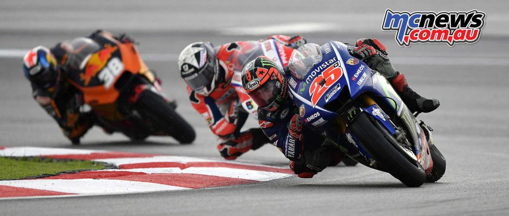 Maverick Vinales leads Scott Redding and Bradley Smith - Sepang MotoGP 2017