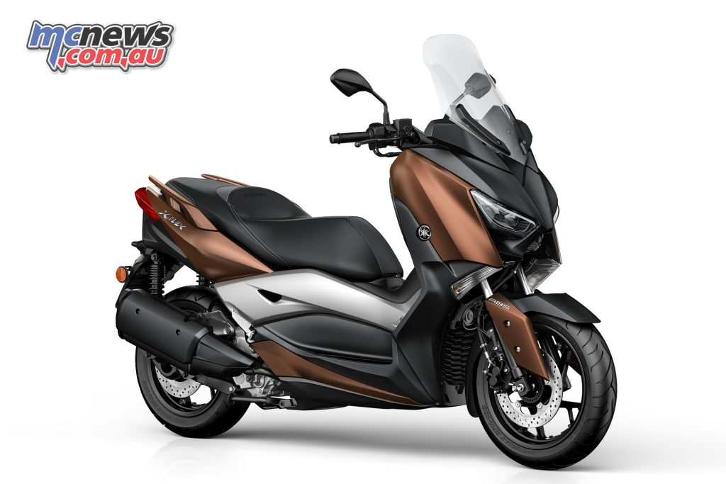 Yamaha XMAX 300 in Quasar Bronze