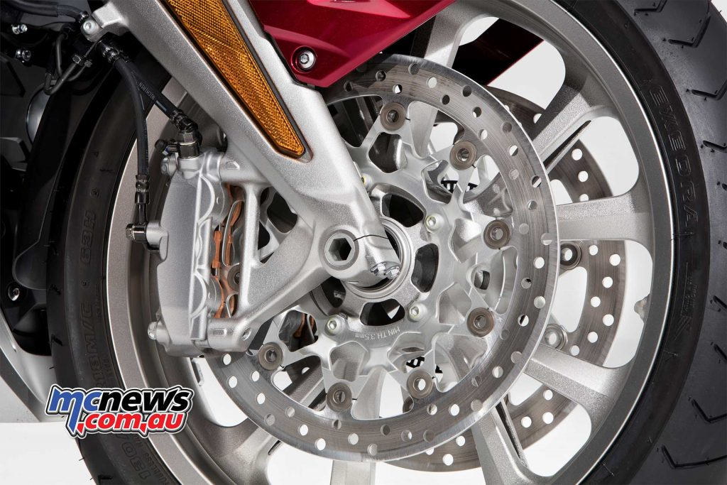2018 Honda GoldWing Tour wears six-piston calipers and 320mm disc rotors