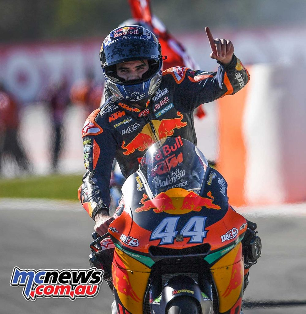 MotoGP 2017 – Round 18 – Valencia – Moto2 Race Results 1 - Miguel Oliveira (POR - KTM) 43'15.843 2 - Franco Morbidelli (ITA - Kalex) + 2.154 3 - Brad Binder (RSA - KTM) + 4.181