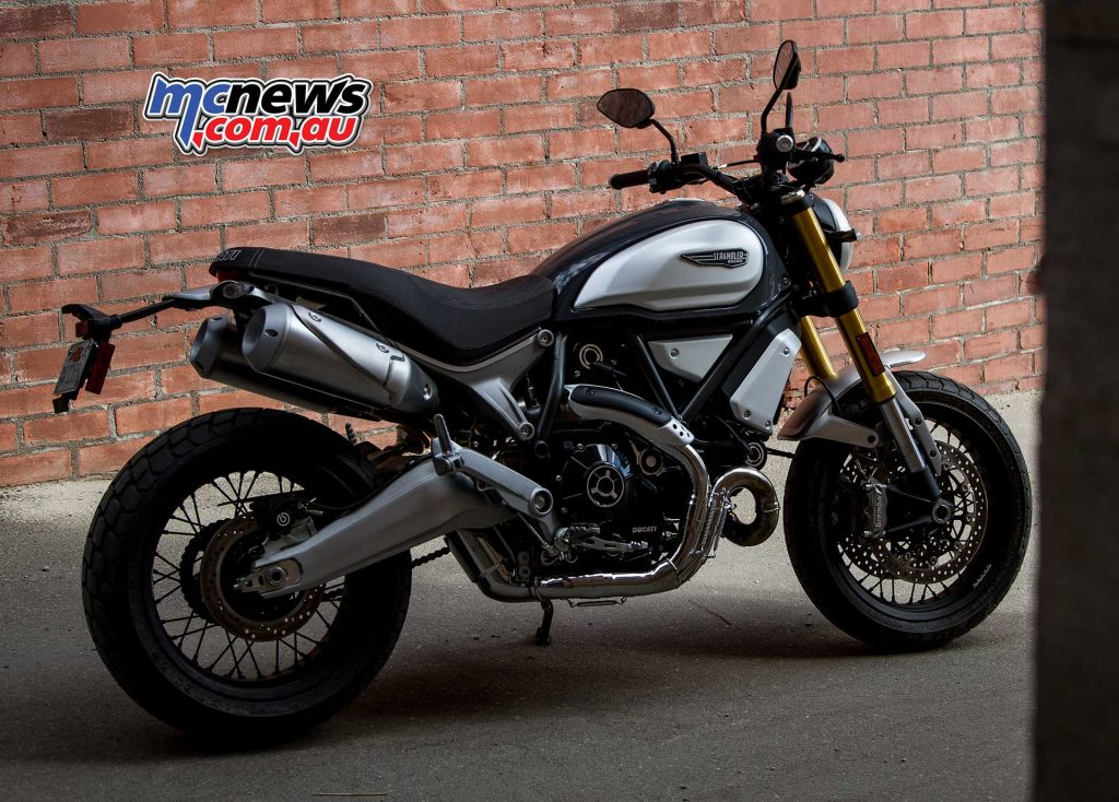 The Scrambler 1100 makes use of the Desmo valve system