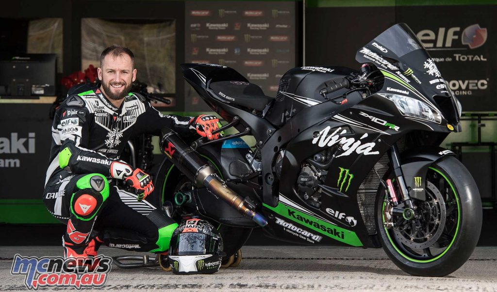 Tom Sykes and the dominant KRT ZX-10R - Image by GeeBee