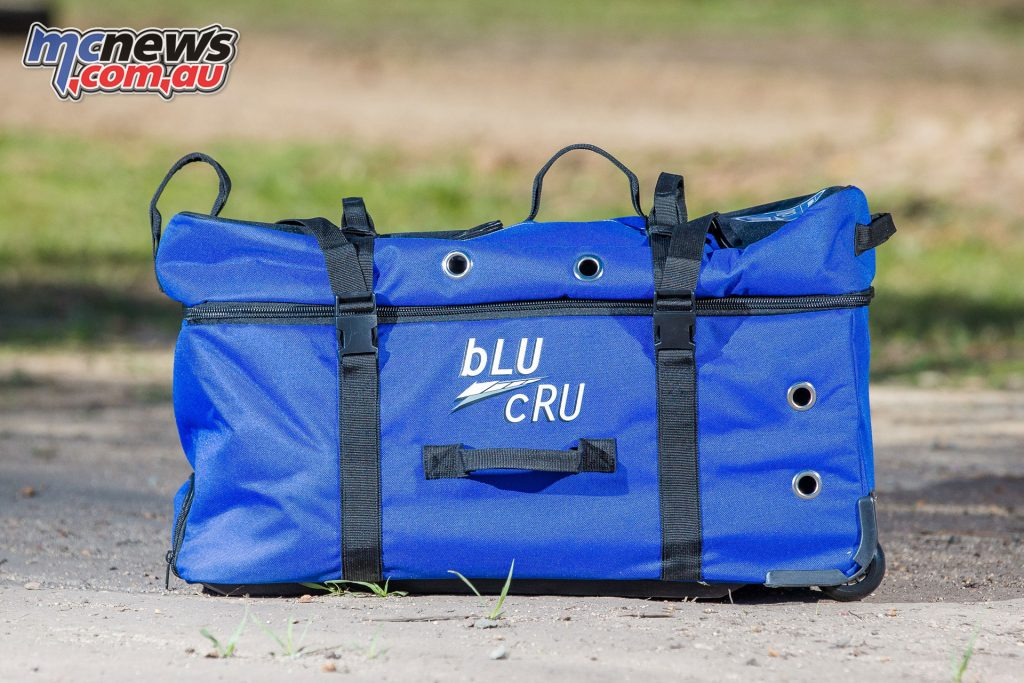A free Yamaha Racing gearbag is available along with a sticker kit with the PW50