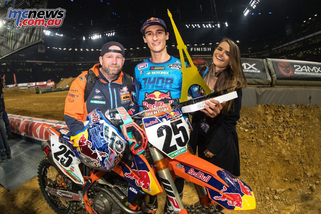 Marvin Musquin celebrating victory