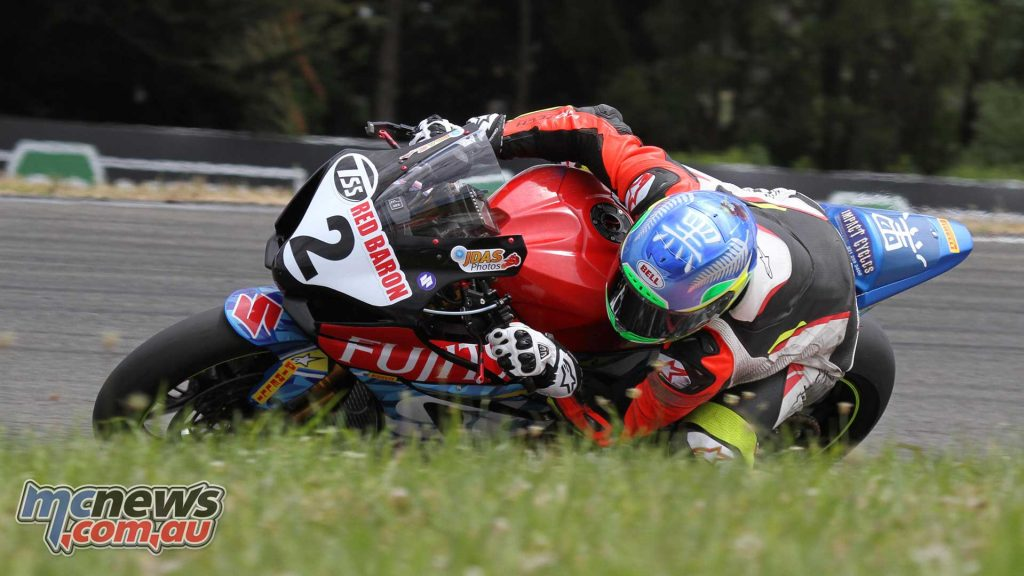 Sloan Frost won race two at Manfeild on his Suzuki GSX-R1000