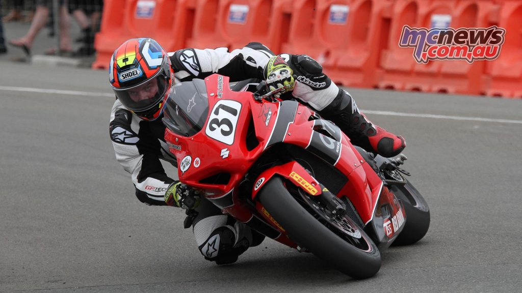 Total concentration. Jay Lawrence on his way to race two victory on his Carl Cox Motorsport GSX-R1000.