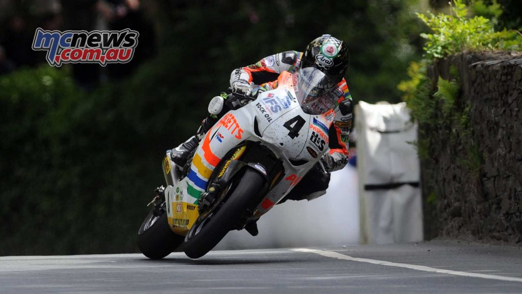 Ian Hutchinson on his way to victory in the 2010 Senior TT on a Honda Fireblade