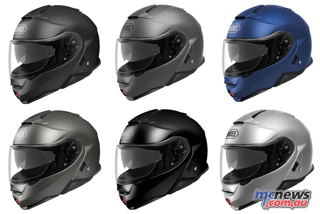 The Shoei Neotec II will arrive in January 2018 and be available from $999.90 RRP for solid colours, and $1099.90 RRP for graphics.