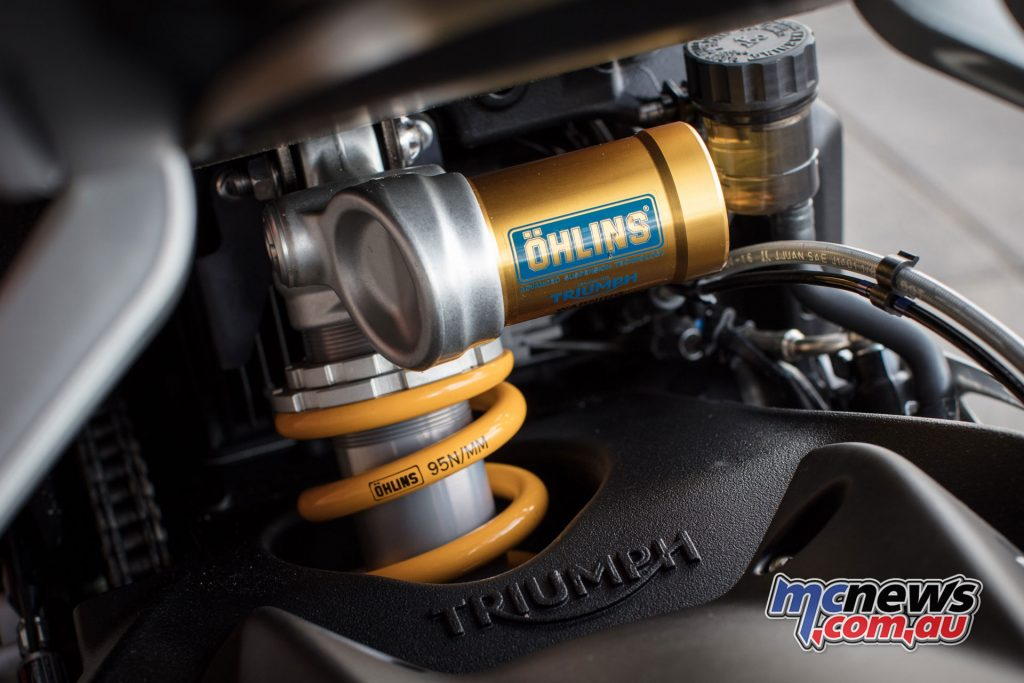 The RS features the highest suspension package of the Street Triples with an Ohlins STX40 monoshock, with compression and rebound damping, spring preload adjustment and 131mm travel