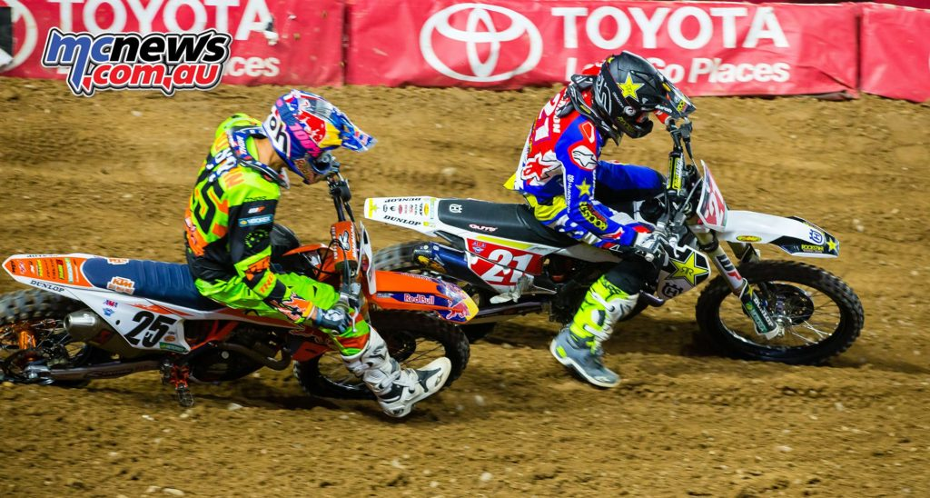 Jason Anderson and Marvin Musquin battling it out - Image by Hoppenworld