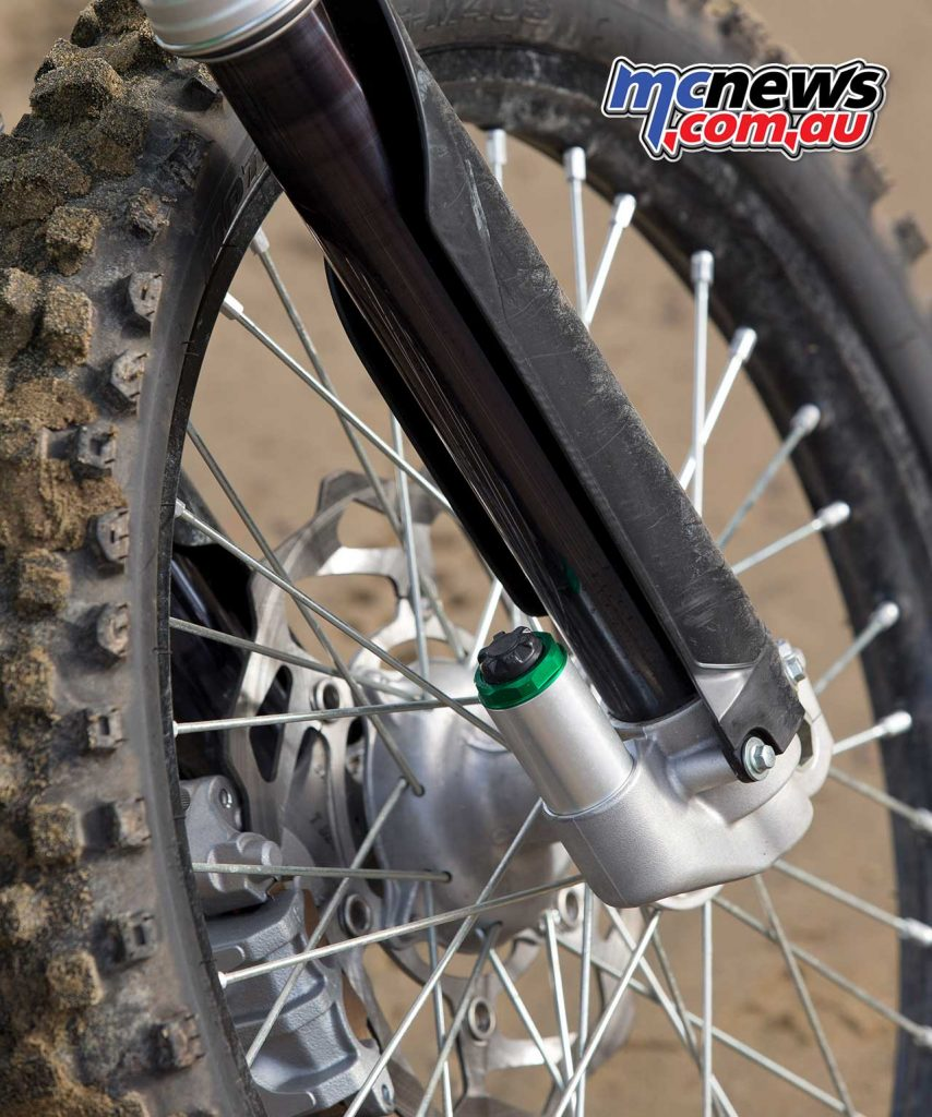 49mm Showa SFF-Air TAC forks offer good adjustability and 305mm of travel