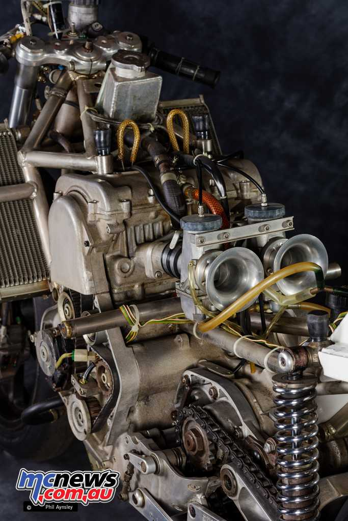 With two 40mm Amal MkII carbs equipped, 95hp at 9750rpm was claimed