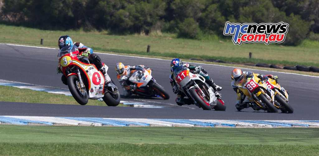 David JOhnson, Troy Corser, Jeremy McWilliams, Richards, Edwards - Race Two - Image by TBG