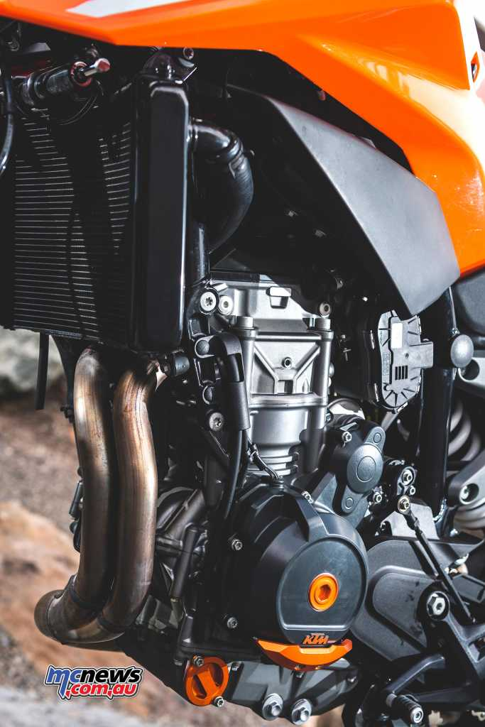 KTM's 790 Duke engine/gearbox tips the scales at only 50kg and its incredibly compact dimensions should help agility in flat track guise