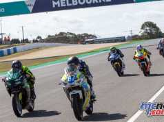 Zav Levy and Oli Bayliss leading the Supersport 300 field - Image by TBG
