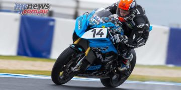 Glenn Allerton was one of few Superbike riders to get a decent lap in this morning - Image by TBG