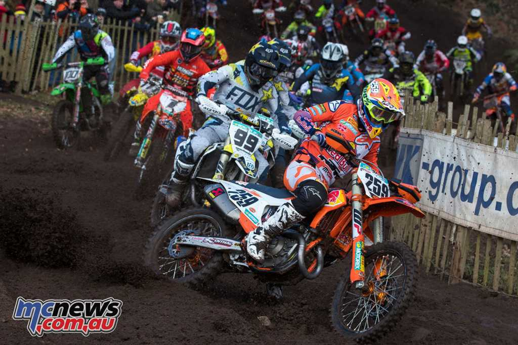 Glen Coldenhoff leads the field at the Hawkstone International - Image by Ray Archer