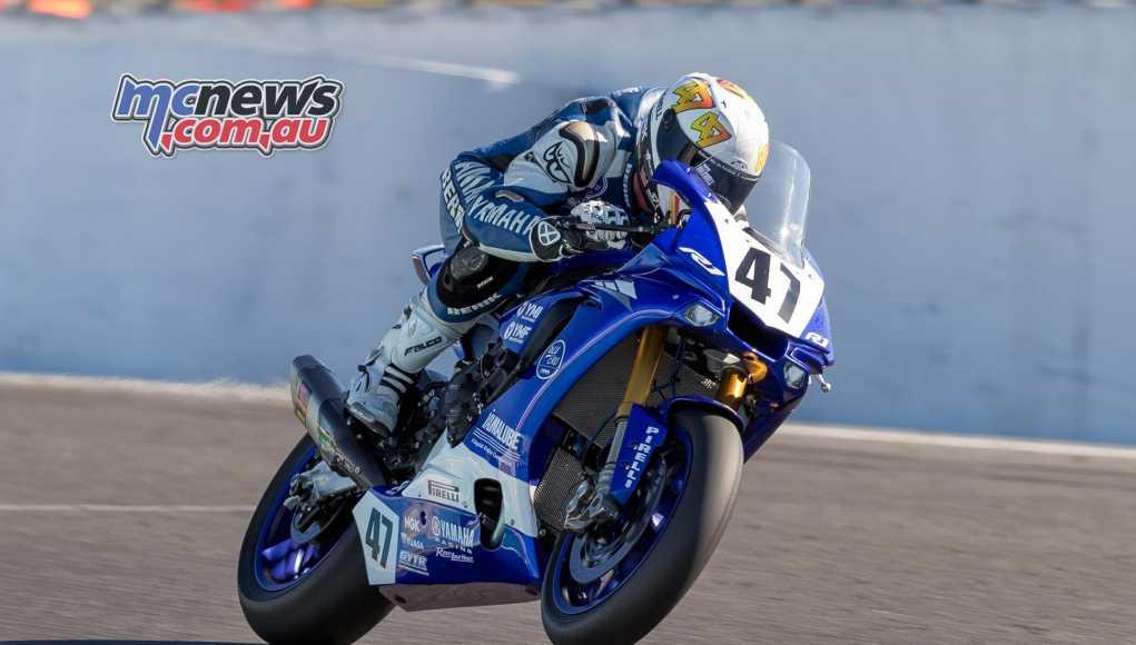 Wayne Maxwell takes ASBK Race Two at Phillip Island