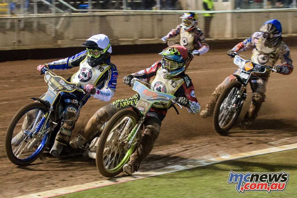 Jason Doyle leading Worrall and Bjerre