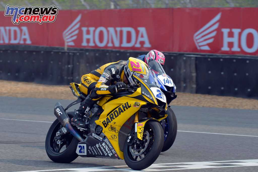 Krummenacher pips Mahias to the line for the Supersport win