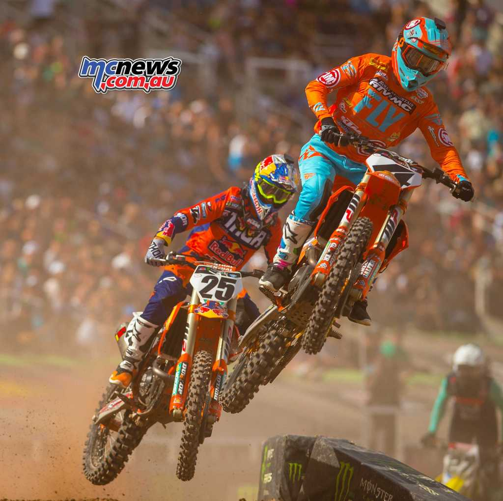 Blake Baggett got away well and led early on