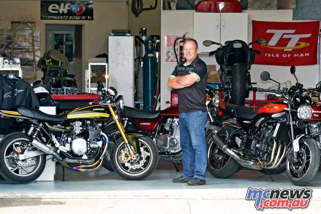 The new Z900RS alongside Graeme Crosby and his Z1 900 custom creation