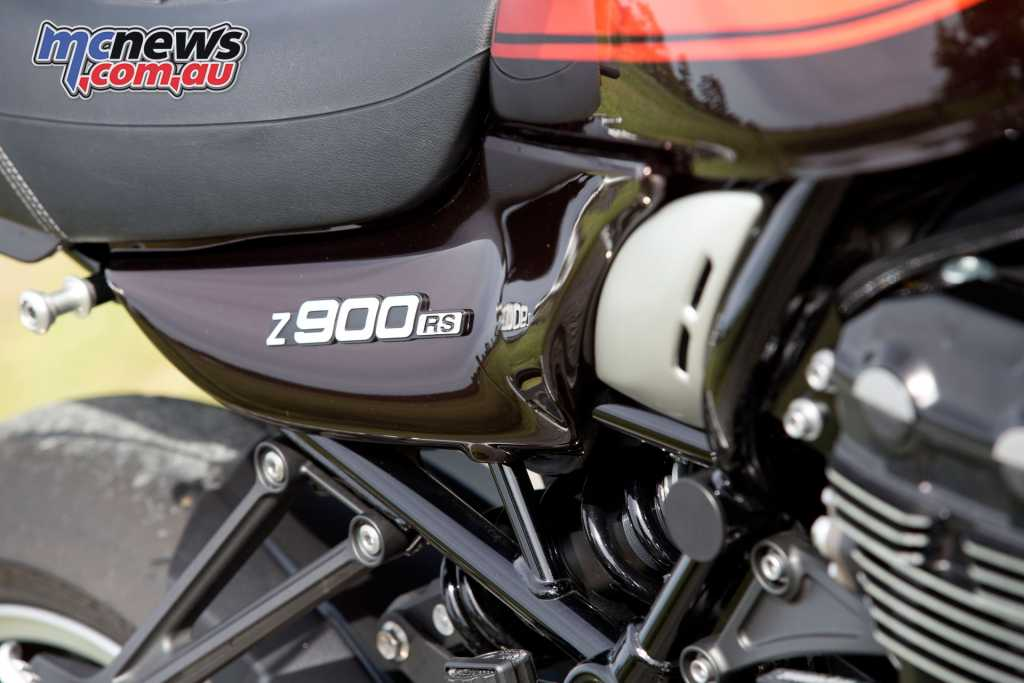 The Z900RS features a back-link mounted shock and adjustable USD forks