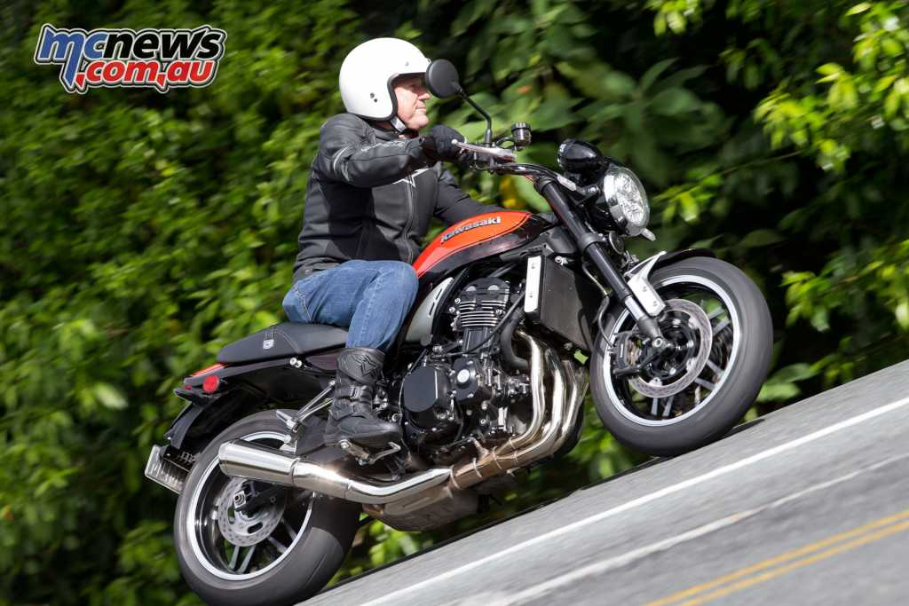 The Z900RS features great comfort, and agile but relaxed handling