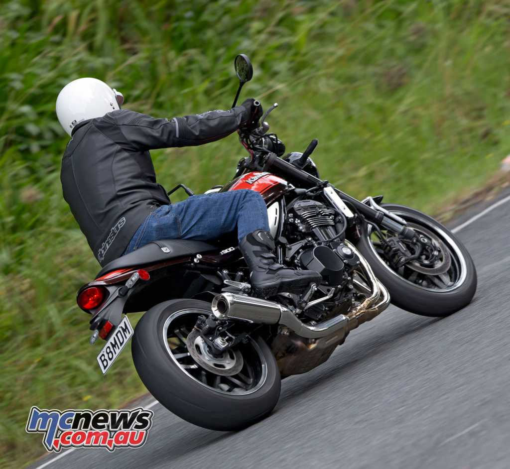 While the Z900RS doesn't feature ZX-10R-like power, delivery is strong and the bike is a delight to ride
