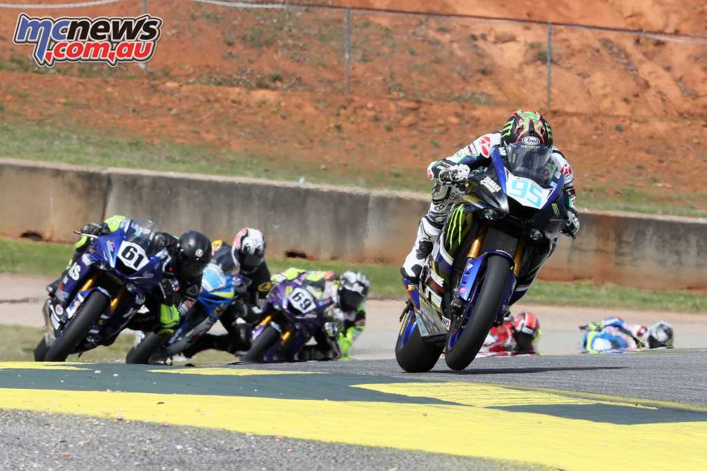 JD Beach leading the Supersport class in the dry Race 1