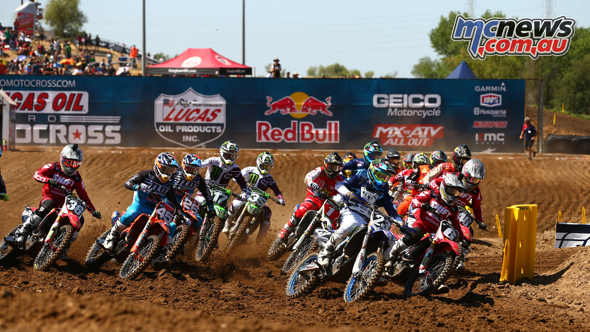Jeremy Martin and Aaron Plessinger leading the 250MX field at Hangtown