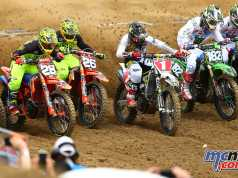 The 250MX field setting off at Glen Helen
