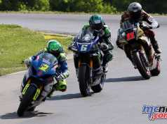 Elias leading the Superbike field including Beaubier and Scholtz