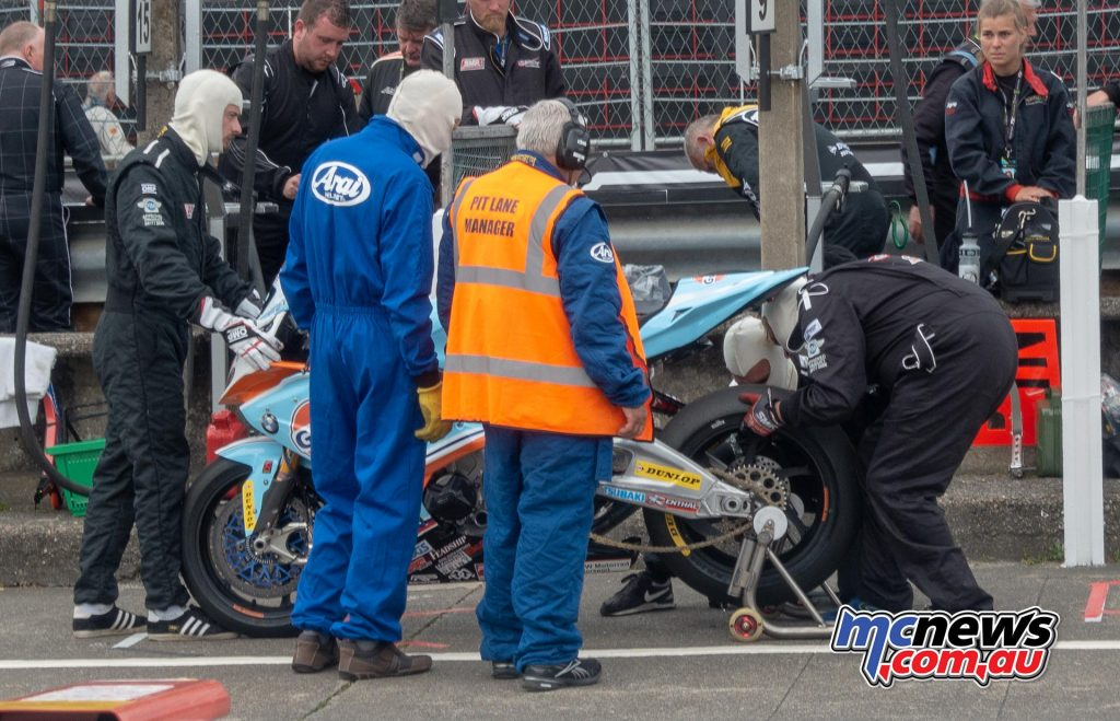 David Johnson brought the Gulf BMW back into pitlane with problems in the Senior TT
