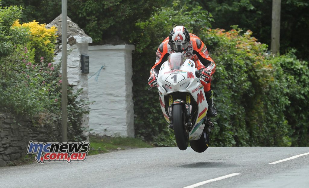 onor Cummins (Honda/padgettsmotorcycles.com) at Ballacrye during the RST Superbike TT race. Image by Dave Kneen