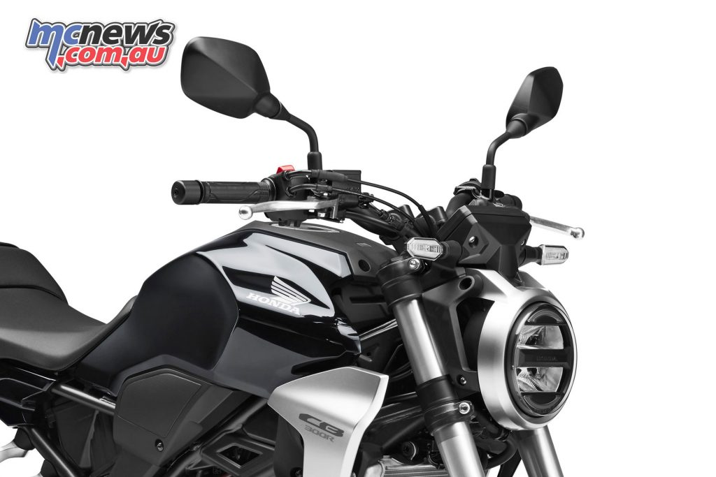 The Honda CB300R comes with standard LED and LCD instruments