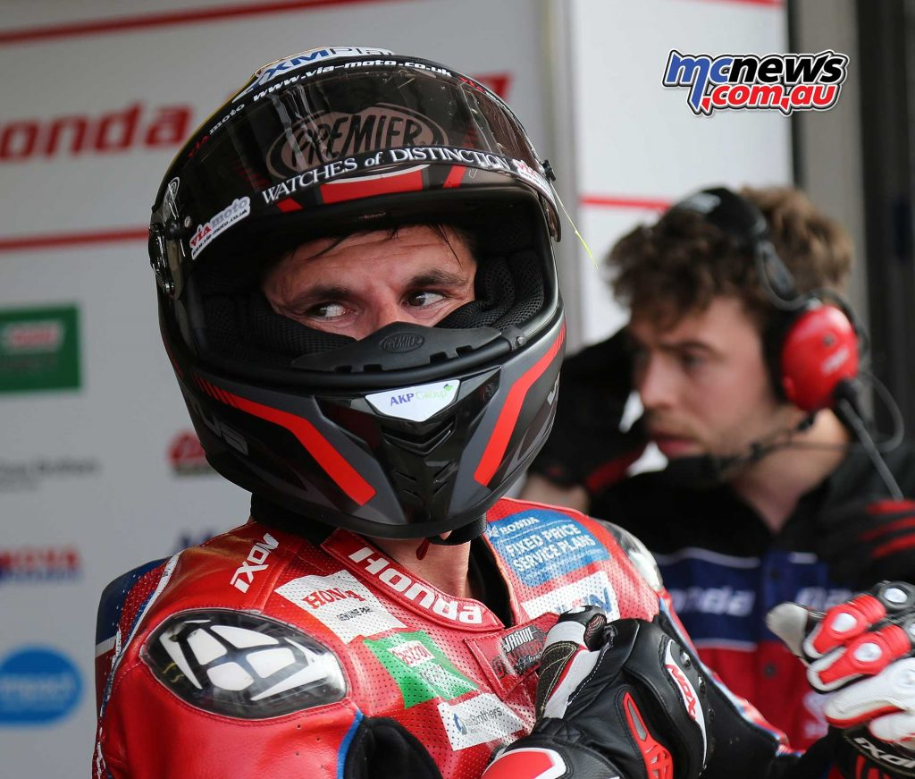 BSB Brands Hatch Jason OHalloran Pits ImageDYeomans