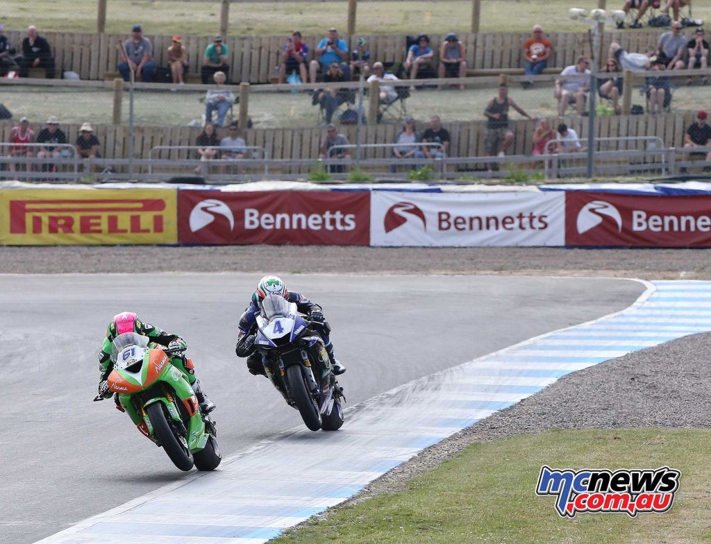 BSB RNd Knockhill Currie leads Kennedy in race ImageDYeomans