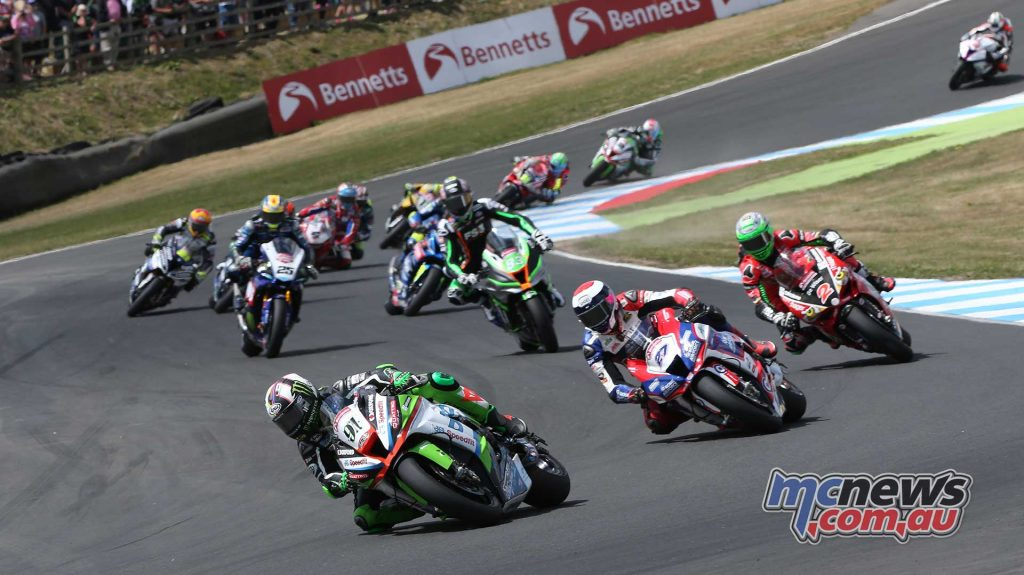 BSB RNd Knockhill Leon Haslam leads the pack ImageDYeomans