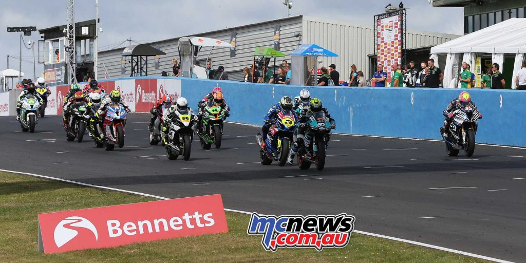 BSB RNd Knockhill Stock Race start ImageDYeomans