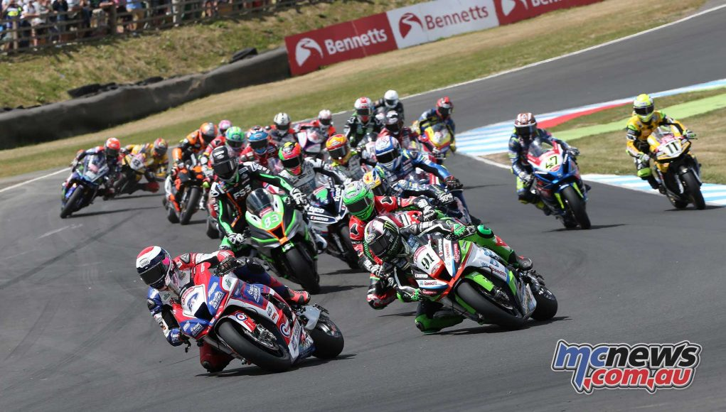 BSB RNd Knockhill Superbike Race Start ImageDYeomans