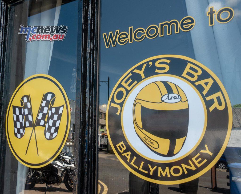 Joeys Bar