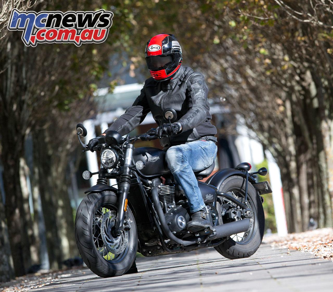 Triumph Bonneville Bobber Black | Motorcycle Test | MCNews ...