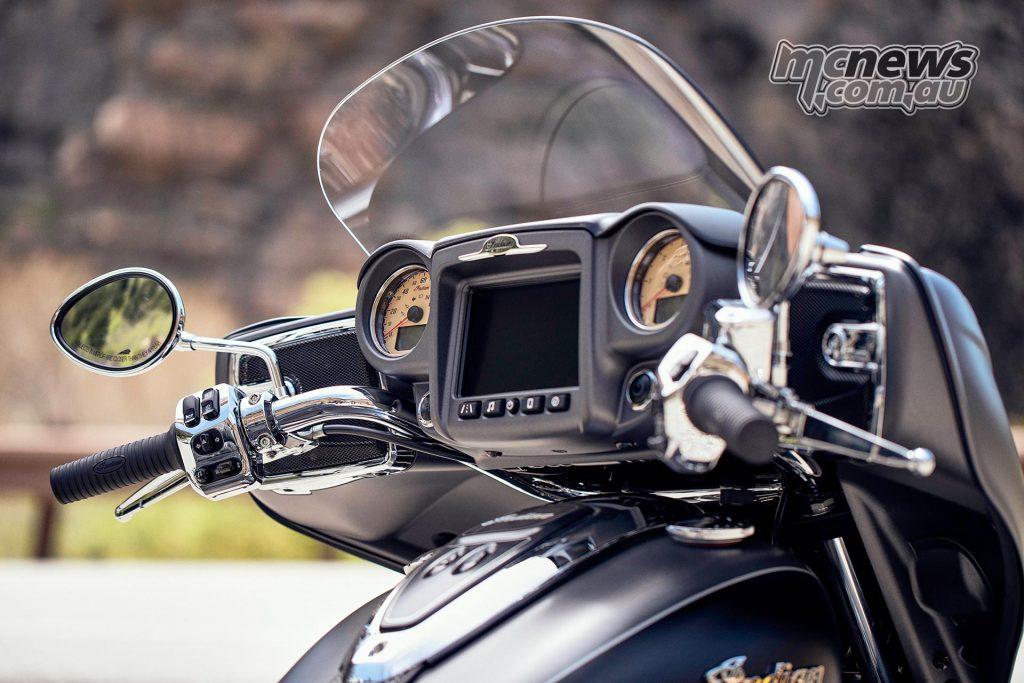 Indian Roadmaster SteelGraySmokeThunderBlack