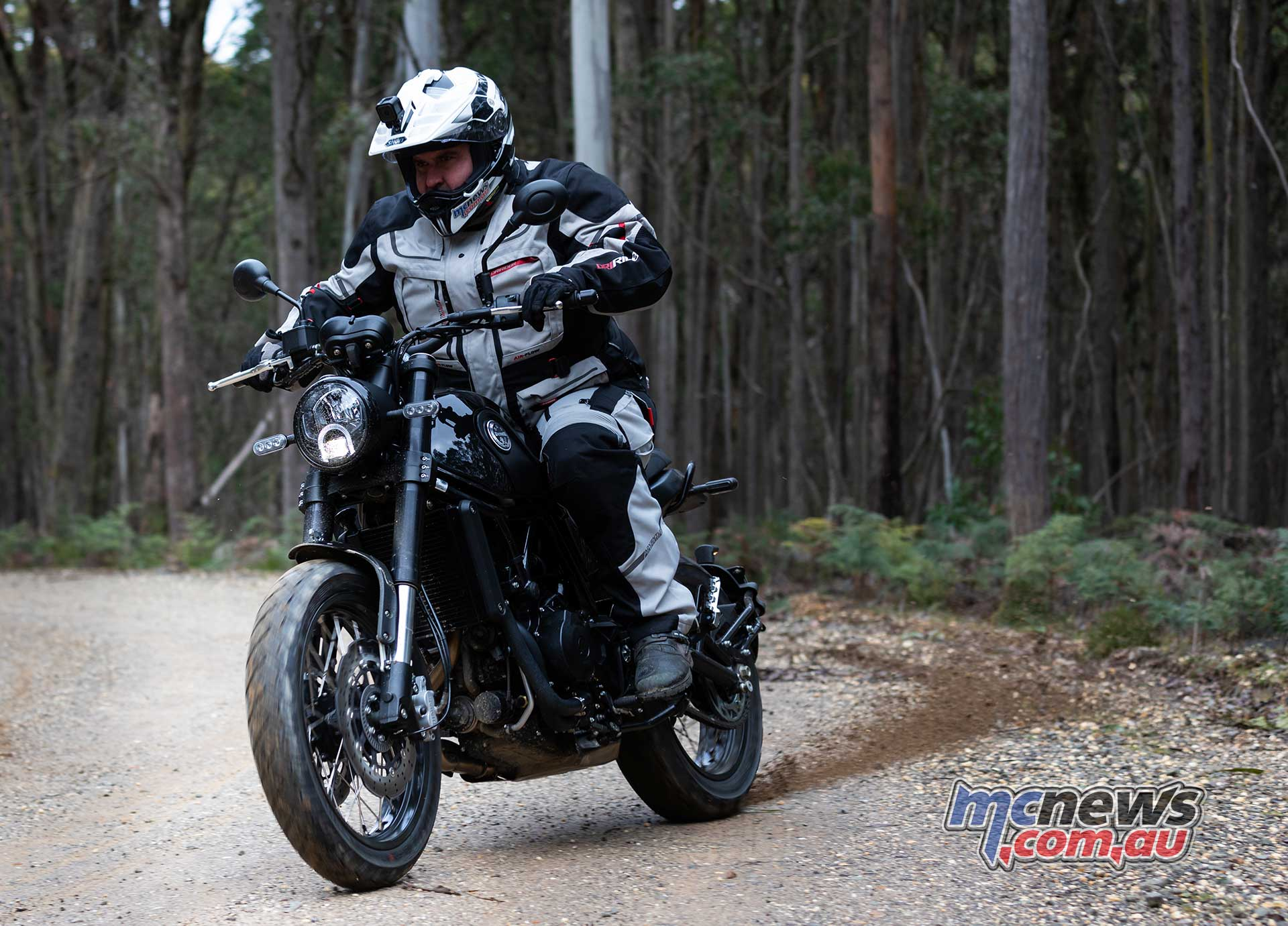 Benelli Leoncino Trail Review Motorcycle Test Mcnews
